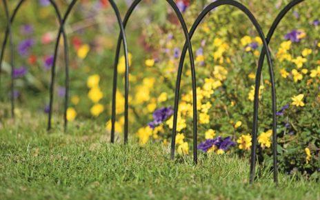 Wire garden border